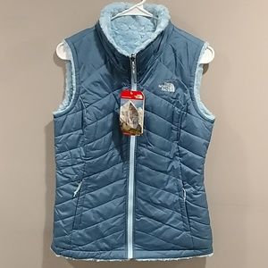 NWT THE NORTH FACE WOMEN'S REVERSIBLE VEST
